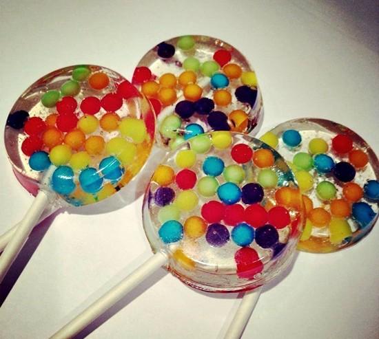 อมยิ้มดาวเคราะห์ ไอเดียสร้างสรรค์จากร้านลูกอม Vintage Confections